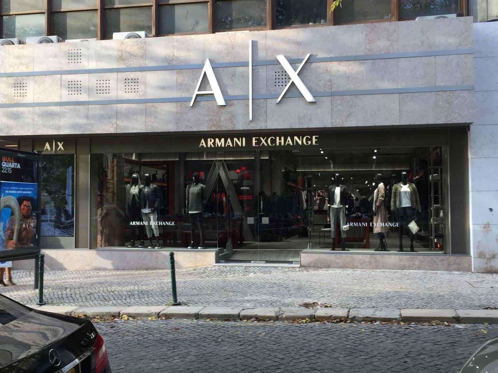 Terminales POSBANK IMPREX en tiendas Armani Exchange