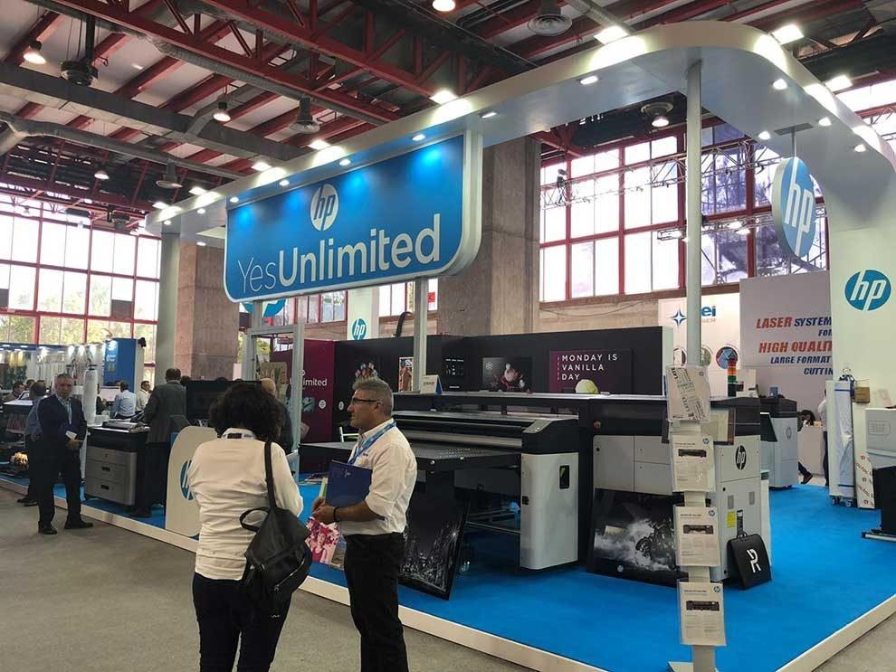 HP muestra por primera vez en España su impresora HP Stitch para textil