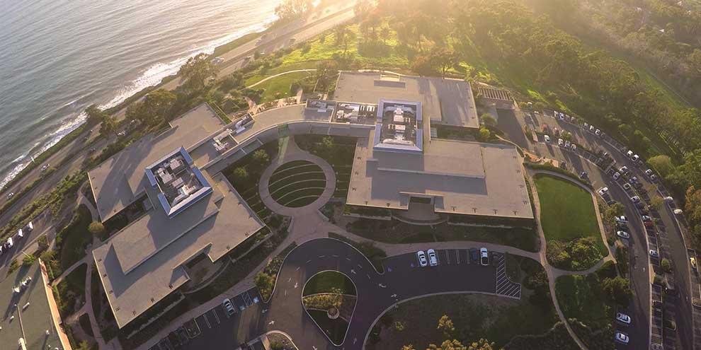 QAD firma un acuerdo con INFOS en Portugal para ofrecer soporte local a los fabricantes