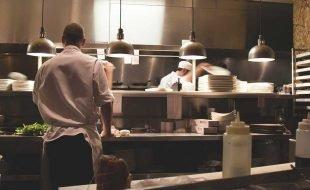 """El boom de las """"dark kitchen"""" y cómo han cambiado el mundo de la gastronomía"""